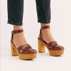 Free People Leather Vegan Clog By Matisse 8 NEW